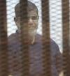 """مرسى يرفض توقيع الكشف الطبى عليه أثناء محاكمته بقضية """"التخابر"""""""