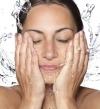 غسل الوجه مرة واحدة يوميا لضمان بشرة متألقة