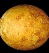 هلال القمر يقترن بالزهرة الليلة وغدا بسماء الوطن العربى فى منظر استثنائى