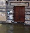 الإهمال يمتد إلى مسجد منشأة شرف الدين ليغرق فى المياه الجوفية