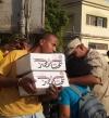 """بالفيديو.. مواطنون يشيدون بـ""""كرتونة الجيش"""": بثمن علبة سجائر"""