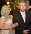 """بالفيديو .. توفيق عكاشة يعاود توبيخ زوجته على الهواء: """"كانت شورة طين"""""""