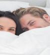 الحب والأرق دونت ميكس.. العلاقة الحميمة تساعد على نوم هادئ ومريح