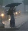 """""""أبو ظبى"""" تناشد مواطنيها بعدم تداول معلومات غير دقيقة عن حالة الطقس"""