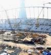 العفو الدولية تتهم قطر بانتهاك حقوق العمال الاجانب