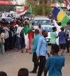 السودانيون يحتفلون ببدء الانتقال إلى الحكم المدني