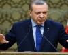 """""""الليرة"""" تفقد نصف قيمتها منذ تولى صهر أردوغان المالية"""
