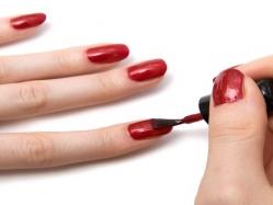 اليكي 5 نصائح لتحافظي على أظافرك وحمايتهم من التقصف