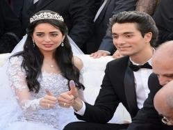 محمد محسن يحتفل بعيد زواجه الأول من الفنانة هبة مجدى
