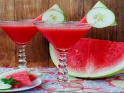 من المطبخ الغربى .. عصير البطيخ مع الخيار