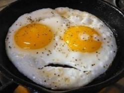 تعرف على مخاطر البيض