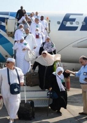 """""""مصر للطيران"""" تنقل 68 ألف حاج بزيادة 6 آلاف عن السعة المطروحة"""