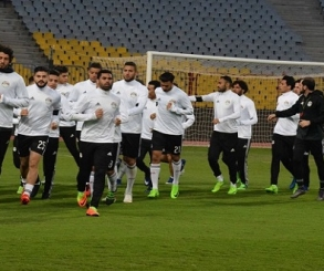"""المنتخب الوطني يؤدي تدريبه الأخير بـ""""جروزني"""" استعدادا للسعودية"""