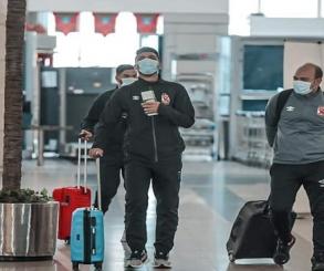 بعثة الأهلي تطير اليوم إلى جنوب أفريقيا استعداداً لموقعة إياب صن داونز