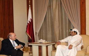 """""""امير قطر"""" : نحن مستعدون لإقامة بطولة كأس العالم في الصيف أو الشتاء"""