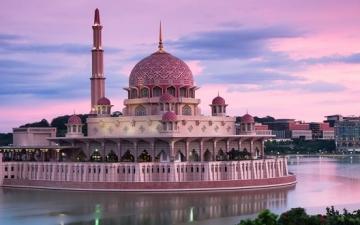 مسجد بوترا جايا الماليزى .. عندما يصبح للجمال والروعة عنوان