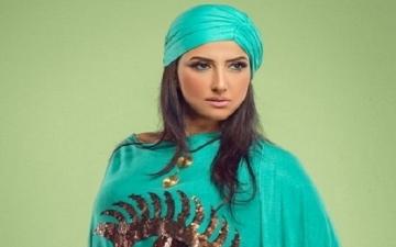 بالفيديو .. حنان مطاوع تنصح البنات بالزواج على طريقة سميرة سعيد !!