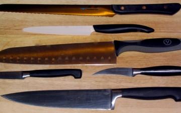 تعرفى على طرق العناية بسكاكين المطبخ