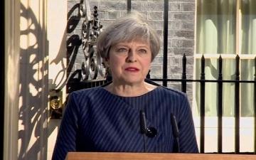 """الأوبزرفر: حزب العمال سيضغط على """"ماى"""" لتأجيل الخروج من الاتحاد الأوروبى"""