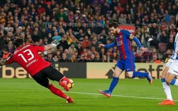برشلونة يتحدى ريال سوسيداد لوضع قدماً على منصة التتويج بالليجا الإسبانى