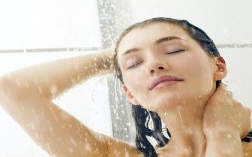 اعرفى ليه لازم تغسلى شعرك بالماء الفاتر؟
