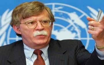 جون بولتون: غلق مضيق هرمز سيكون أكبر خطأ ترتكبه إيران
