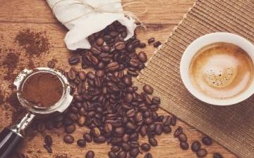تناول الشيكولاته والشاى والقهوة يساعد على العيش لفترة أطول