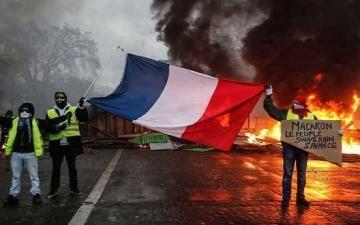 """متظاهرو """"السترات الصفراء"""" يستأنفون احتجاجهم للسبت العاشر على التوالى"""
