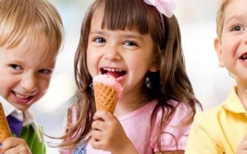 الأطفال وجراثيم الصيف في الأماكن العامة