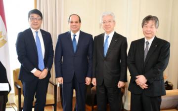 السيسى يبحث مع رئيس شركة تويوتا التوسع فى استثماراتها بمصر