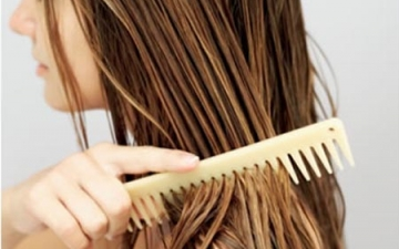 """كيف تهتم الأنثي بـ""""شعرها"""" في فصل الشتاء"""