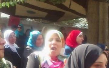"""بالفيديو .. سيدة مسنة """"ربنا قدرنى علشان أجى الإستفتاء"""""""