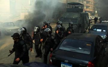 تشكيلات أمنية مكثفة تقطع الطرق الموصلة لجامعة الإسكندرية لحين وقف الاشتباكات