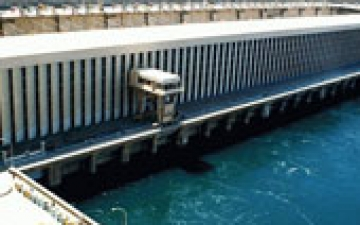 ثبات منسوب مياه النيل أمام السد العالى