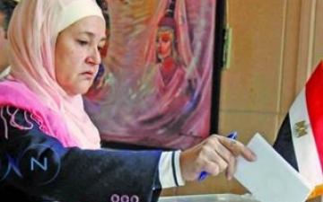 نساء مصر إلى طوابير الإستفتاء مجدداً