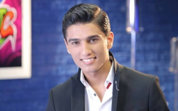 محمد عساف يتوقف عن الغناء: صوتي لا يعلو وشعبي يقصف