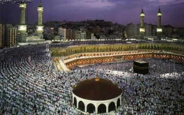 بالفيديو.. أقدم تسجيل للآذان فى المسجد الحرام منذ 138 عام