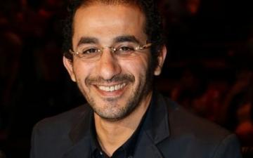 بالصورة.. تعرف على النجم أحمد حلمي في فترة الطفولة