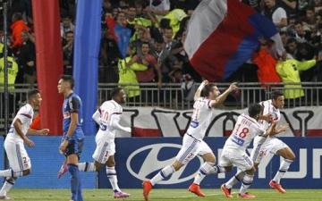موناكو يصمم على تخيب الأمال وليون يحسن من موقفه بالدوري الفرنسي