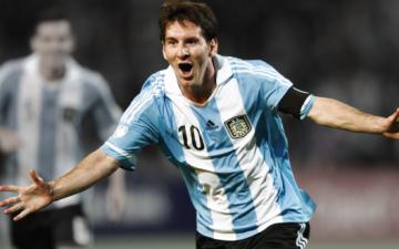 الأرجنتين تستدعي ميسي لمواجهة البرازيل