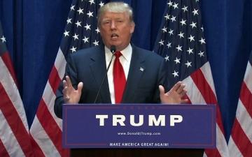 """إدارة ترامب بدأت الإعداد لـ""""الجدار الفاصل"""" و""""تسجيل المسلمين"""""""