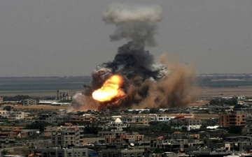 فى أول هجوم منذ وقف إطلاق النار .. غارات إسرائيلية تستهدف مواقع لحماس في قطاع غزة