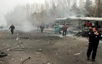 عشرات الضحايا فى تفجير حافلة للجيش بوسط تركيا