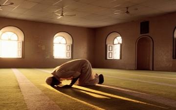 بالفيديو .. داعية سعودى : زنا المحارم والقتل أقل جرمًا من ترك الصلاة !!