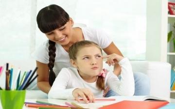 3 أسباب تخليك ماتعملش الواجب مع ابنك تانى.. اعرفها