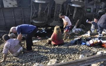 تحطم قطار سريع فى أنقرة وسقوط عدد كبير من الضحايا