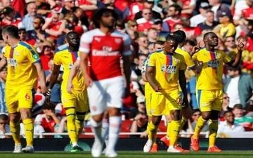 أرسنال يسقط أمام كريستال بالاس ويهدد تأهله لدوري الأبطال
