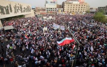 العراقيون يواصلون مظاهرات المناهضة للأحزاب فى بغداد والبصرة