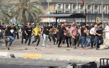 مواجهات عنيفة بين المتظاهرين والأمن العراقى فى ساحة التحرير ببغداد