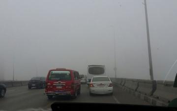 غلق طريق مصر اسكندرية الصحراوى ومحور 26 يوليو و3 طرق أخرى بسبب الشبورة الكثيفة